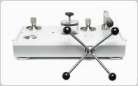 液压比较器/泵