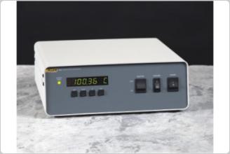 用于 Rosemount 设计恒温槽的 7900 控制器