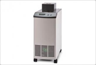 6330/7320/7340/7380 紧凑型台式恒温槽