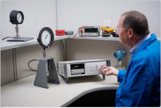 福禄克计量校准 带CPS(防污染系统)的 8370A高压控制器/校准器